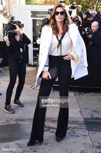 Cindy Crawford is seen arriving at Chanel show during Paris Fashion Week Womenswear Spring/Summer 2018on October 3 2017 in Paris France