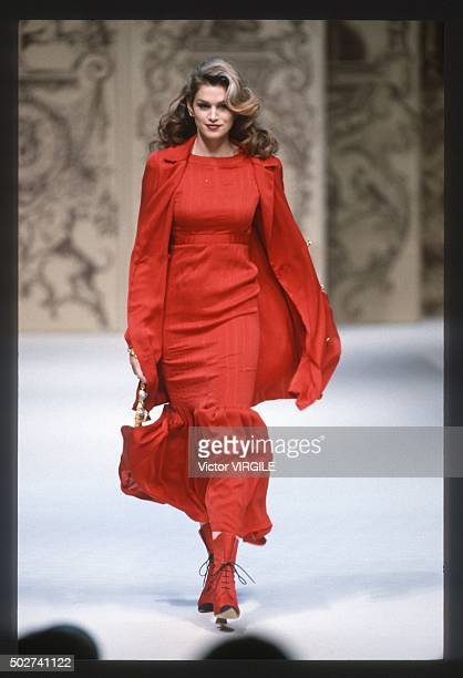 Cindy Crawford walks the runway during the Chanel Haute Couture show as part of Paris Fashion Week Spring/Summer 19931994 in January 1993 in Paris...