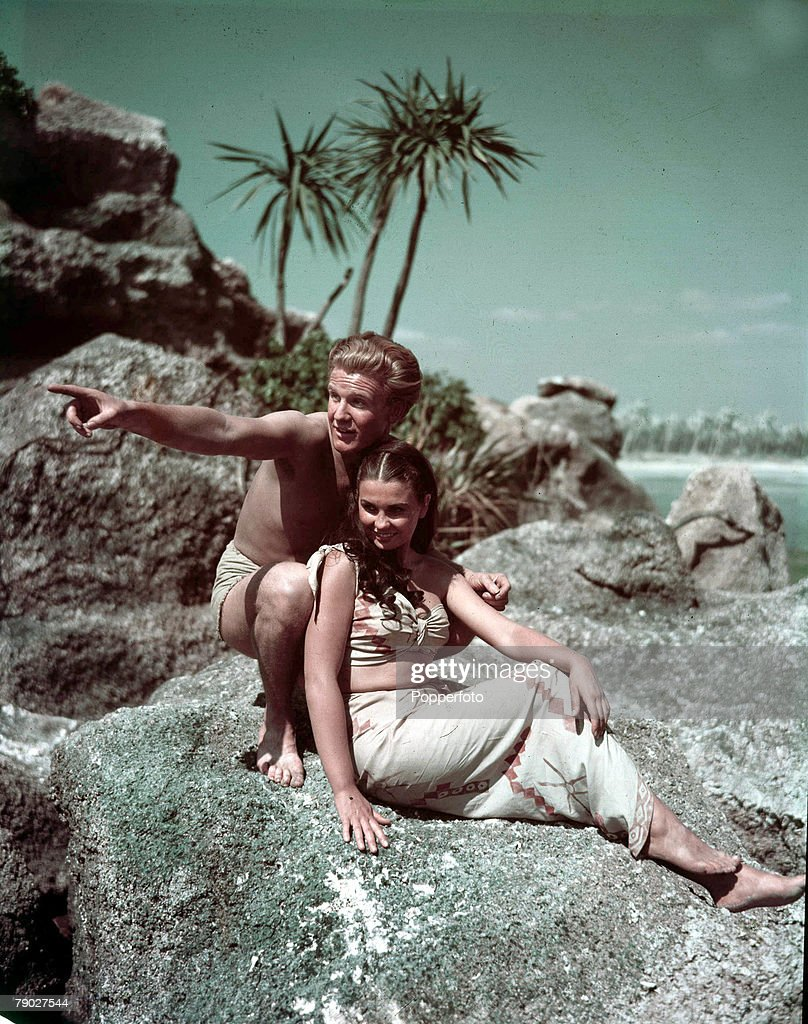 Cinema, English actress Jean Simmons appearing in the film ' Blue Lagoon 'with Donald Houston, 1947