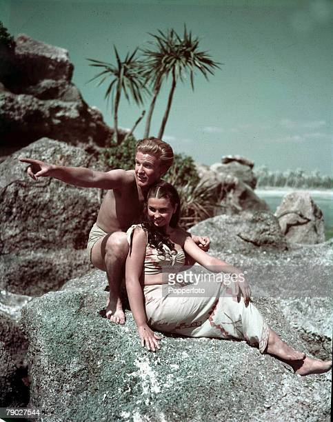 Cinema English actress Jean Simmons appearing in the film ' Blue Lagoon 'with Donald Houston 1947