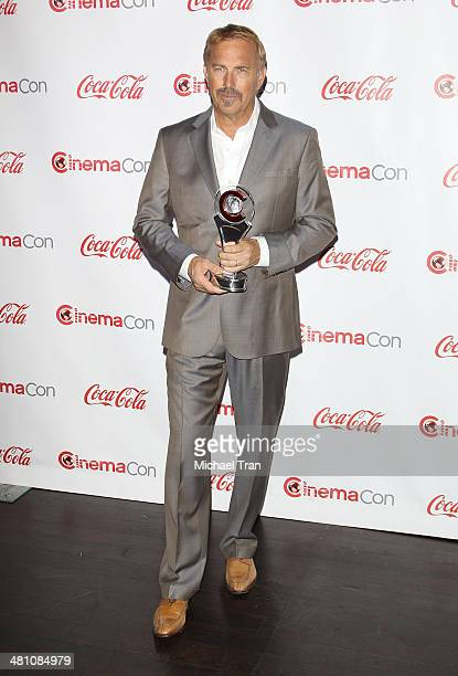 Cinema Icon Award winner Kevin Costner attends The CinemaCon Big Screen Achievement Awards at Cinemacon 2014 Day 4 held at The Colosseum at Caesars...