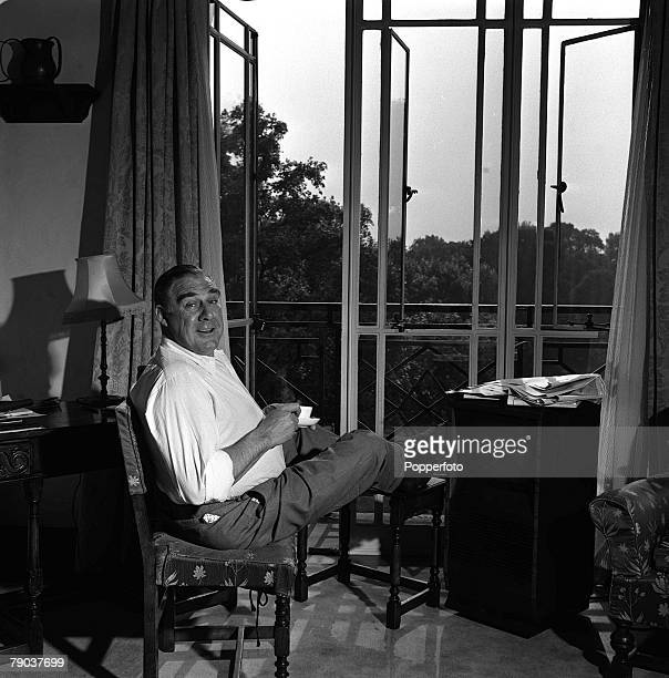 Cinema London England American actor Paul Douglas is pictured in his room at the Dorchester Hotel