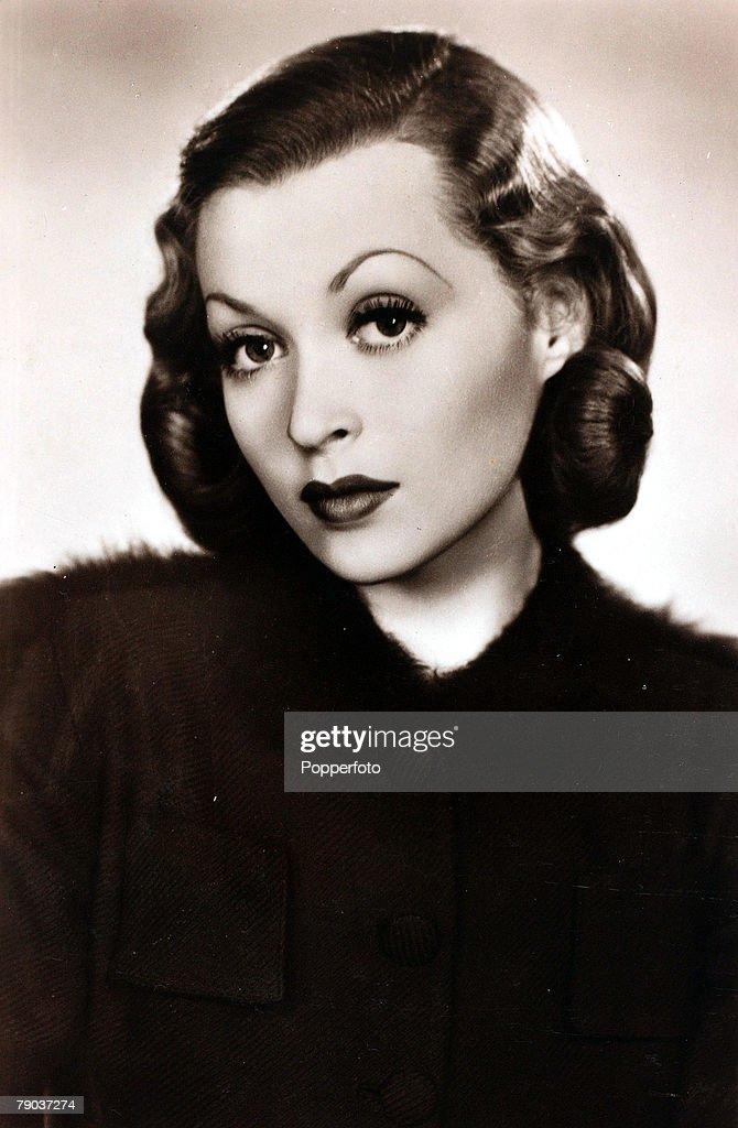 cinema-personalities-circa-1940-german-born-actress-lilli-palmer-who-picture-id79037274 - cinema-personalities-circa-1940-german-born-actress-lilli-palmer-who-picture-id79037274
