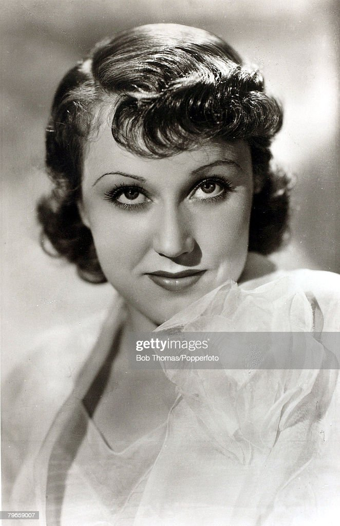 circa 1930's, Canadian born actress <a gi-track='captionPersonalityLinkClicked' href=/galleries/search?phrase=Fay+Wray&family=editorial&specificpeople=70009 ng-click='$event.stopPropagation()'>Fay Wray</a>, born 1907, among her 1930's films was 'King Kong' 1933