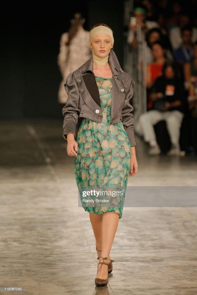 Cintia Dicker wearing Alexandre Herchcovitch Fall/Winter 2006