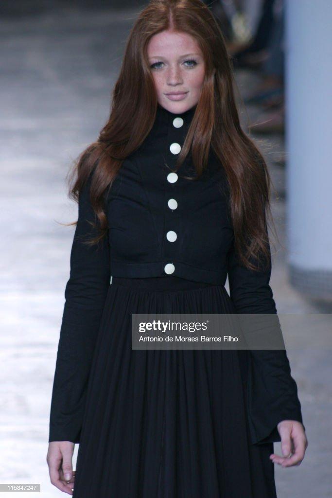 Cintia Dicker wearing Raia de Goye Fall/Winter 2006