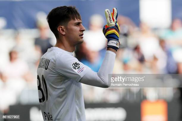 Ciprian Tatarusanu of FC Nantes gestures during the Ligue 1 match between FC Girondins de Bordeaux and FC Nantes at Stade Matmut Atlantique on...
