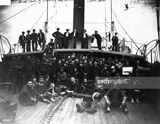 Crew of the US gunboat 'Hunchback'