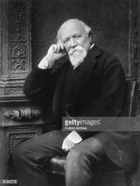 An introduction to the life of robert browning an english poet