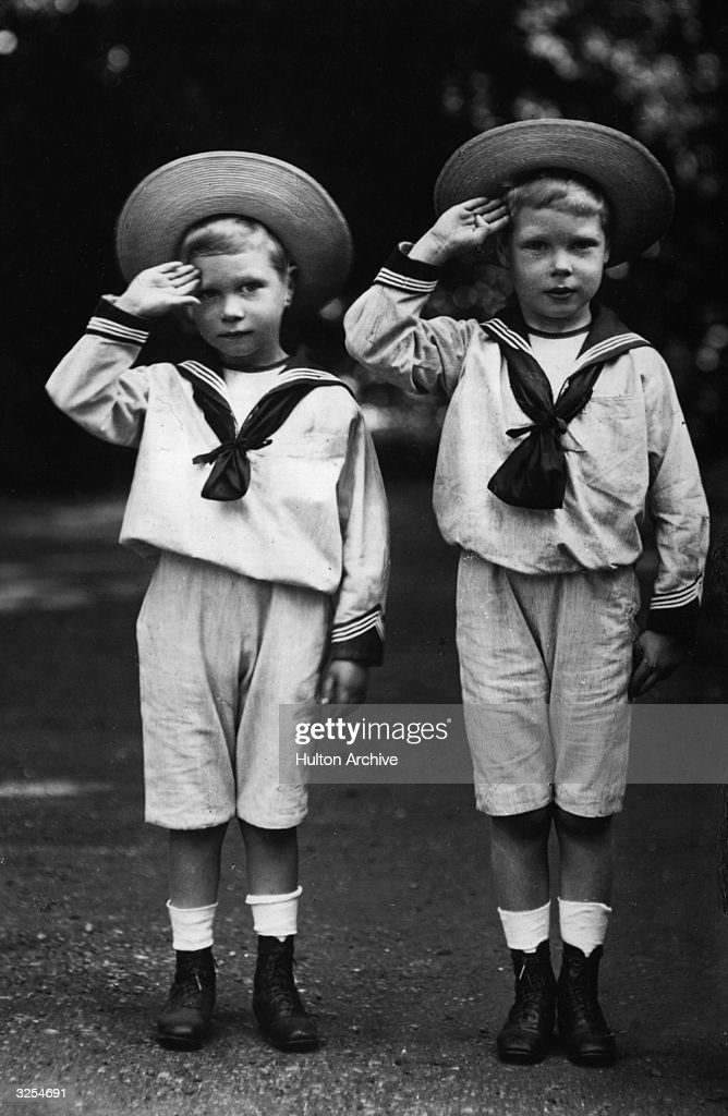 On the left is George VI who ascended to the throne of Great Britain in 1936 on the abdication of his brother Edward VIII On the right is Edward VIII