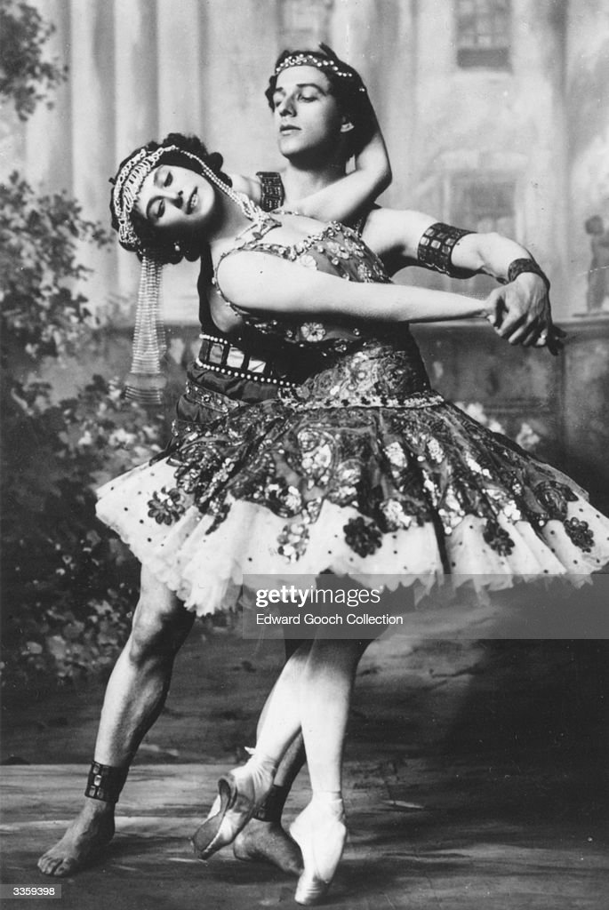 Russian ballet stars <a gi-track='captionPersonalityLinkClicked' href=/galleries/search?phrase=Anna+Pavlova+-+Ballet+Dancer&family=editorial&specificpeople=12866185 ng-click='$event.stopPropagation()'>Anna Pavlova</a> (1882 - 1931) and Mikhail Mordkin (1880 - 1944).