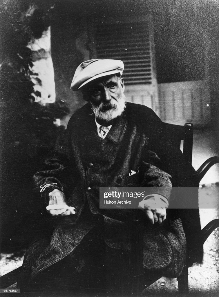 Impressionist painter,Pierre <a gi-track='captionPersonalityLinkClicked' href=/galleries/search?phrase=Auguste+Renoir&family=editorial&specificpeople=117768 ng-click='$event.stopPropagation()'>Auguste Renoir</a> at his home, Les Collettes, Cagnes, France. His hands are crippled with arthritis.