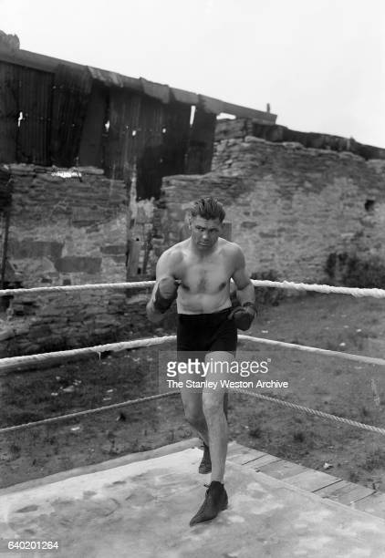 Jack Dempsey poses as he trains circa 1919