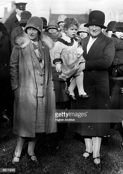 Elizabeth Duchess of York with Princess Elizabeth and Mrs Clara Cooper Knight in a Leicestershire hunting field