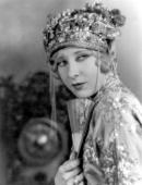 Gwen Lee the Hollywood film actress signed by MGM in a chinese outfit