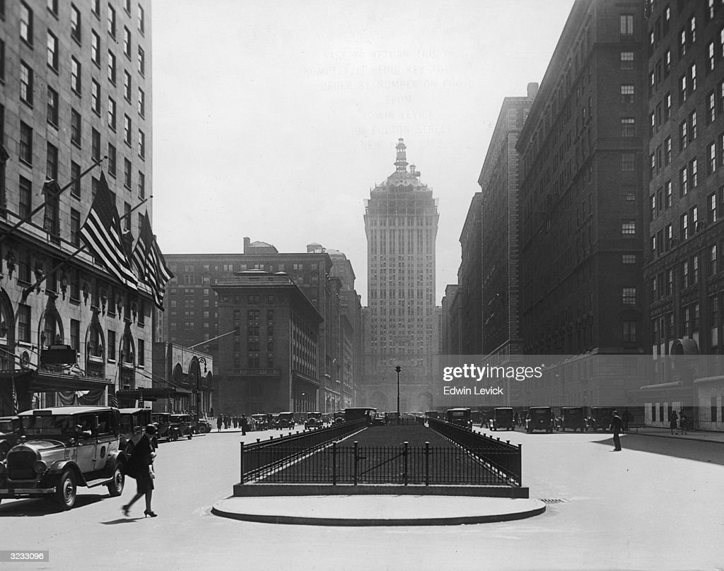 A view looking north down Park Avenue with Grand Central Station and the newlycompleted New York Central building bestriding the Avenue Manhattan New...