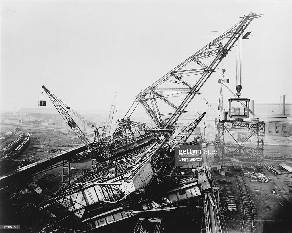 A Wellman 122 ton creeper crane used during the construction of Sydney Harbour Bridge