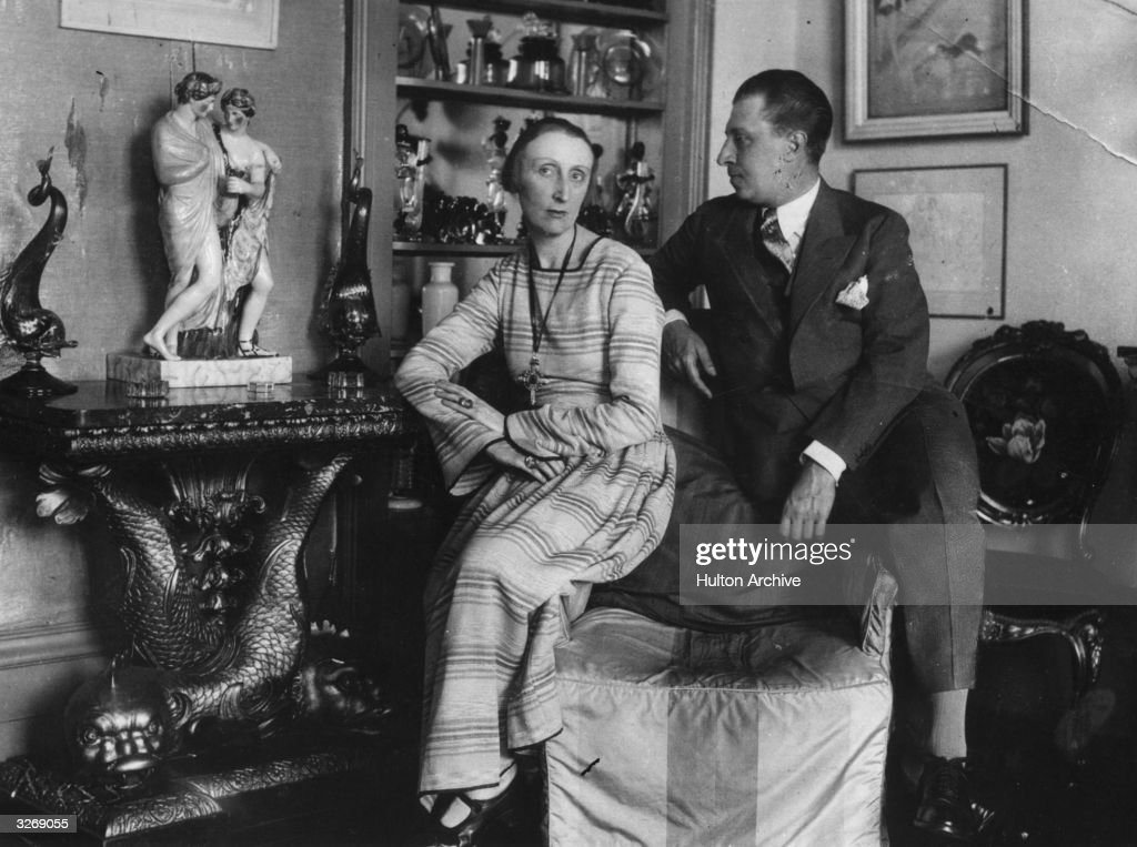 English poet Edith Sitwell (1887 - 1964) and her brother and author Osbert (1892 - 1969).