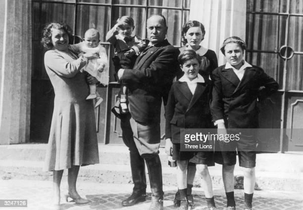 Italian dictator Benito Mussolini with his wife Rachele Guidi and their five children Edda Vittorio Bruno Romano and Anna Maria