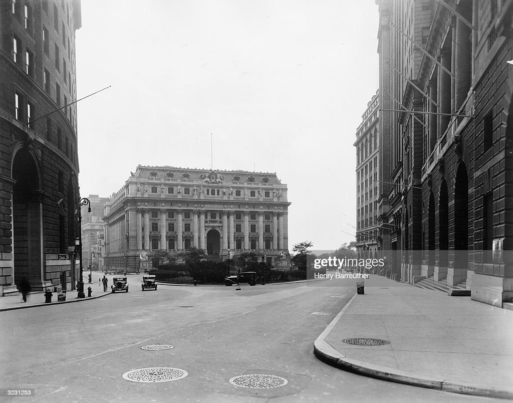 Exterior view of United States Custom House at Bowling Green designed by Cass Gilbert and built in 1907 28 Wall Street New York City