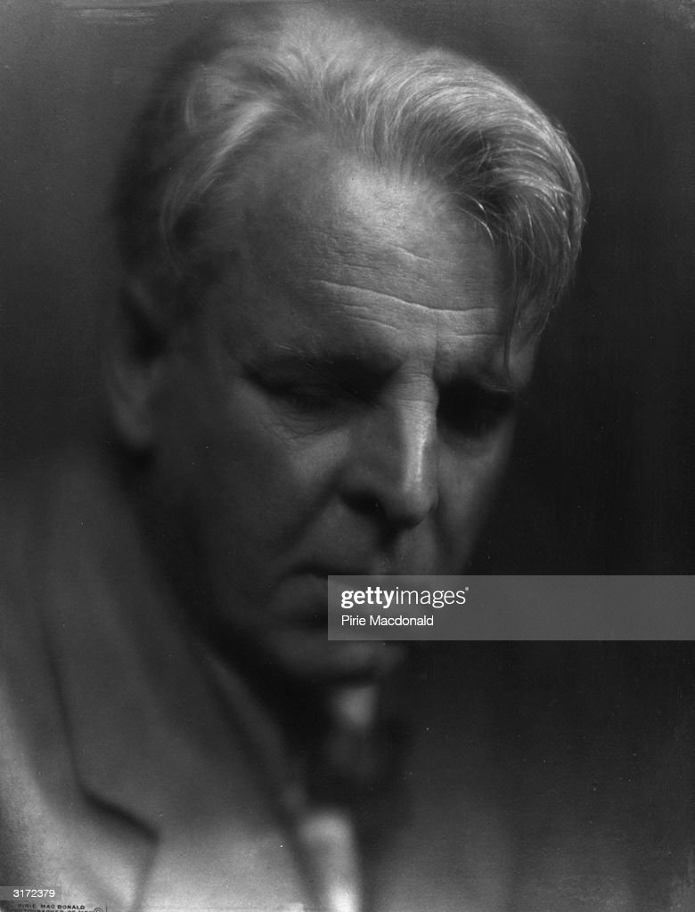 Irish poet and playwright William Butler Yeats (1865 - 1939).