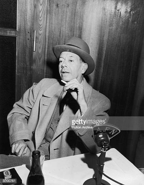 American songwriter Cole Porter appears on radio station AFN