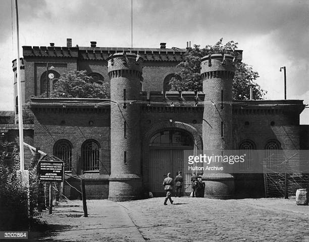 British soldiers stand outside Spandau Prison in the British section of Berlin Germany The prison housed the war criminals Rudolf Hess former Nazi...