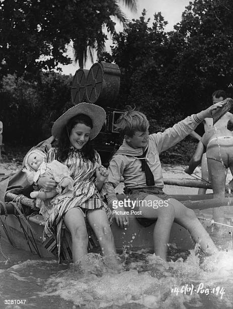Nineyearold Australian actress Susan Stranks and twelveyearold Dublin schoolboy Peter Jones who are visiting the Fiji Islands for the location...