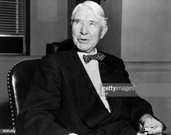 carl sandburg research paper Carl august sandburg born jan 6, 1878 was a poet, writer, and folk musician he was born in galesburg, illinois he had six siblings, and his father august sandburg, was a railroad blacksmith's helper his parents were hardworking swedish immigrants.