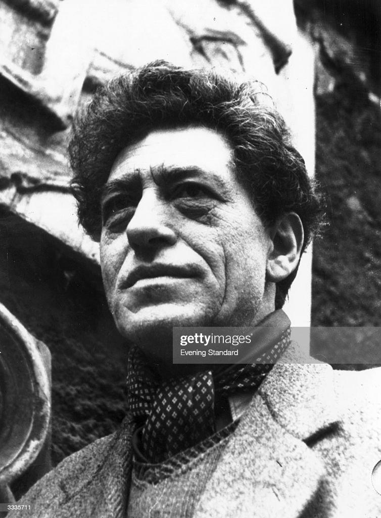 Swiss sculptor Alberto Giacometti - circa-1950-swiss-sculptor-alberto-giacometti-picture-id3335711