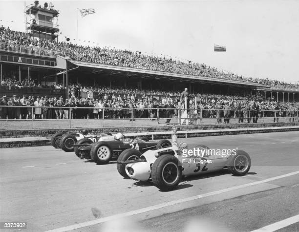 Cars line up on the starting grid for the British Grand Prix at Aintree