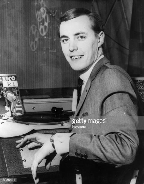 Disc jockey Simon Dee at work