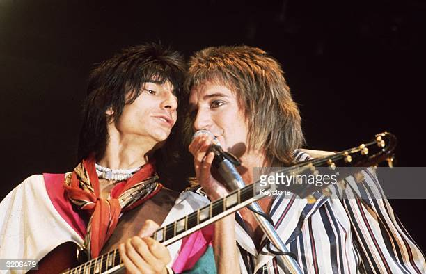 Singer Rod Stewart and guitarist Ron Wood of 'The Faces' in concert