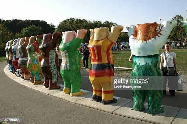 Circle of ' United Buddy Bears ' in Berlin