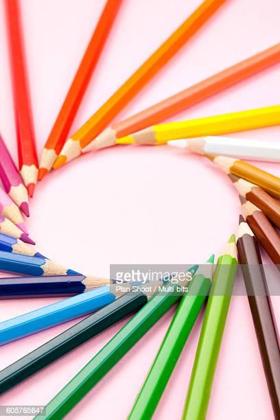 circular arrangement of coloured pencils