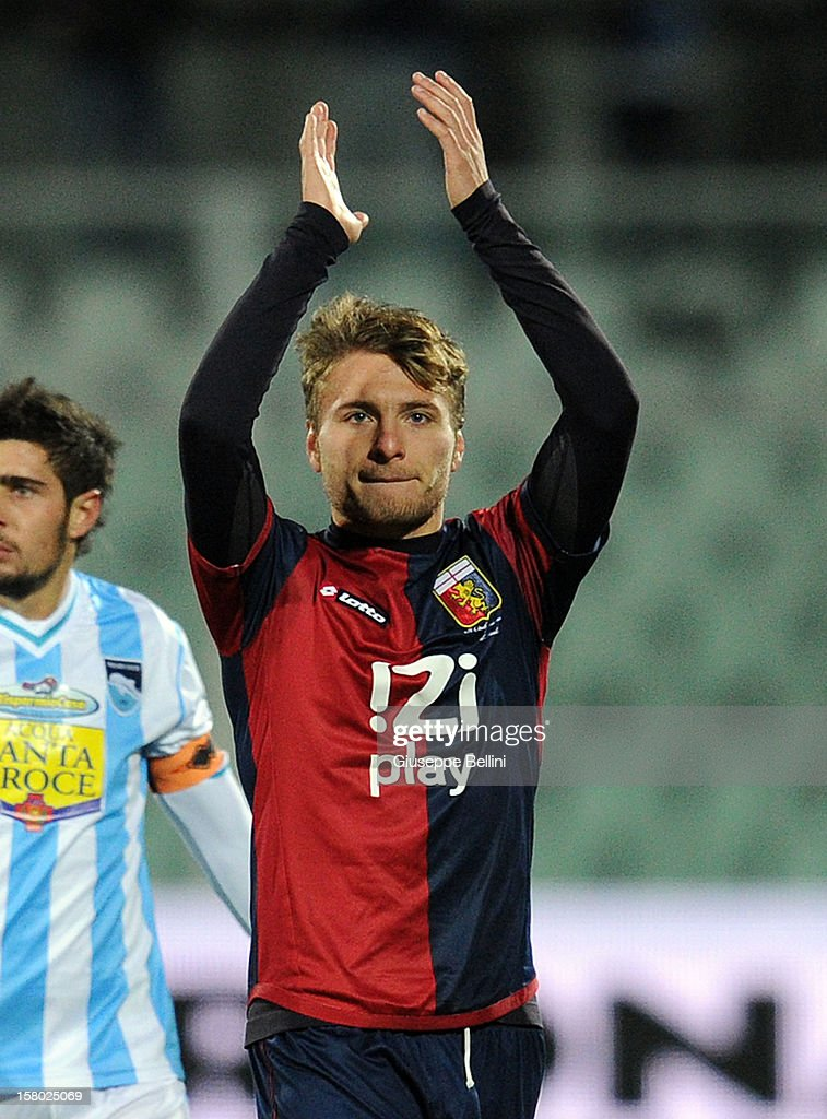 Ciro Immobile of Genoa thanks the fans for their support after the Serie A match between Pescara and Genoa CFC at Adriatico Stadium on December 9, 2012 in Pescara, Italy.