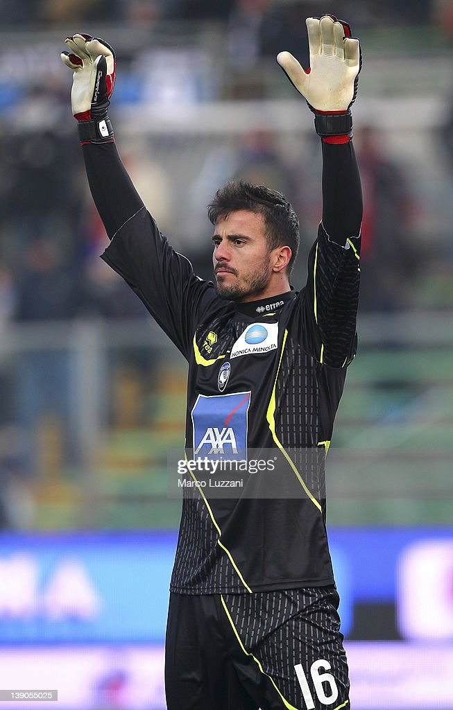 Ciro Polito of Atalanta BC gestures during the Serie A match between Atalanta BC and US Lecce at Stadio Atleti Azzurri d'Italia on February 12, 2012 in Bergamo, Italy.