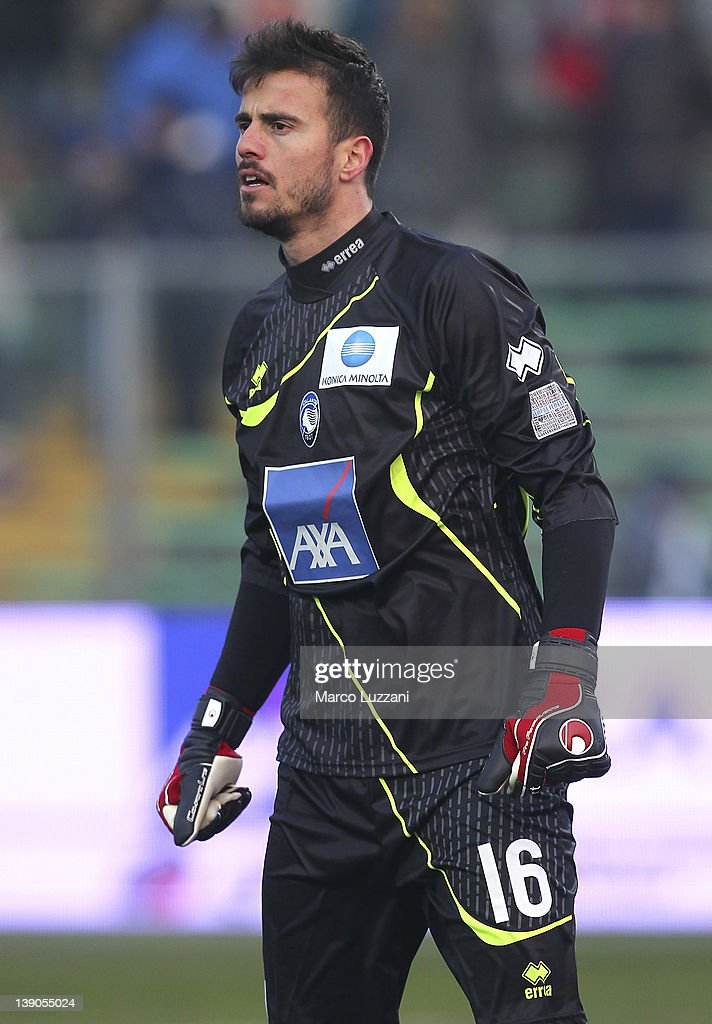 Ciro Polito of Atalanta BC looks on during the Serie A match between Atalanta BC and US Lecce at Stadio Atleti Azzurri d'Italia on February 12, 2012 in Bergamo, Italy.
