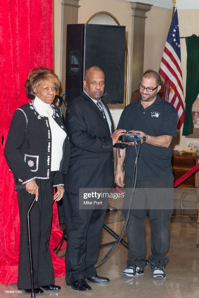 <a gi-track='captionPersonalityLinkClicked' href=/galleries/search?phrase=Cissy+Houston&family=editorial&specificpeople=1019962 ng-click='$event.stopPropagation()'>Cissy Houston</a> (L) attends Madame Tussauds Whitney Houston Wax Unveiling at Madame Tussauds on February 7, 2013 in New York City.