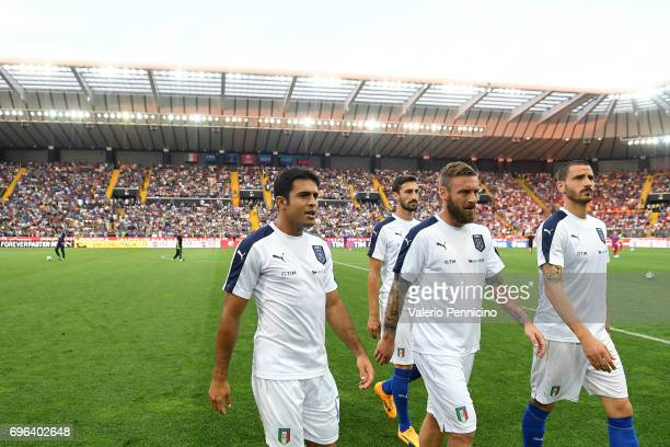 Citadin Martins Eder Daniele De Rossi and Leonardo Bonucci of Italy look on prior to the FIFA 2018 World Cup Qualifier between Italy and...