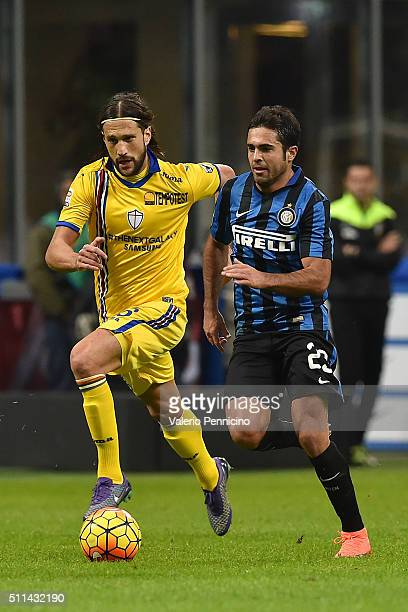 Citadin Martins Eder of FC Internazionale Milano in action against Matias Agustin Silvestre of UC Sampdoria during the Serie A match between FC...