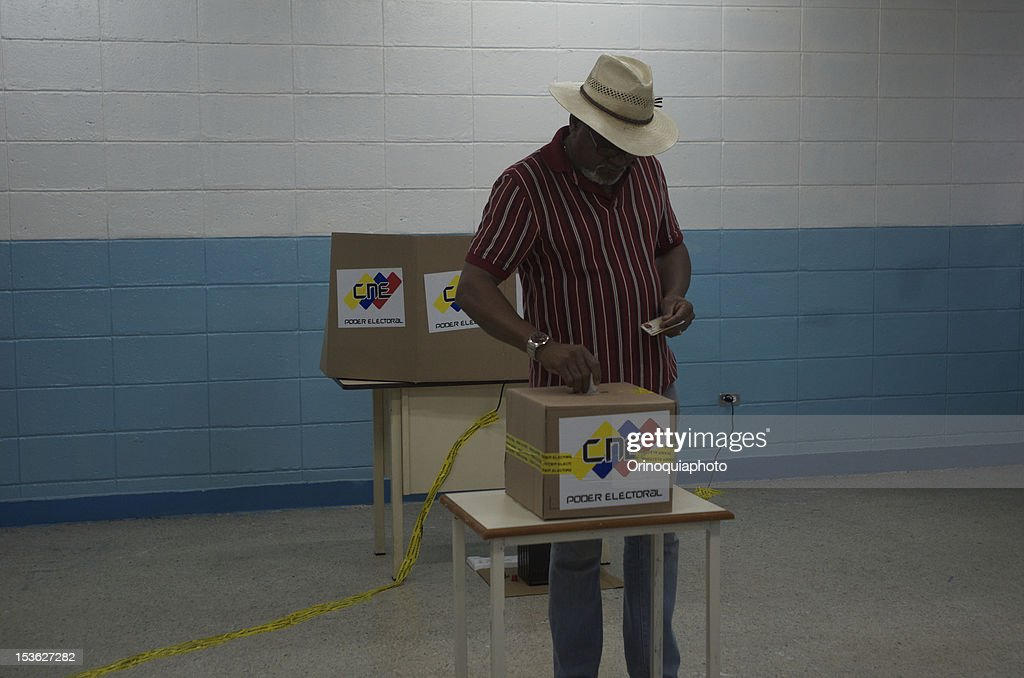 A citizen of Venezuela votes for President on October 07, 2012 in Caracas, Venezuela.