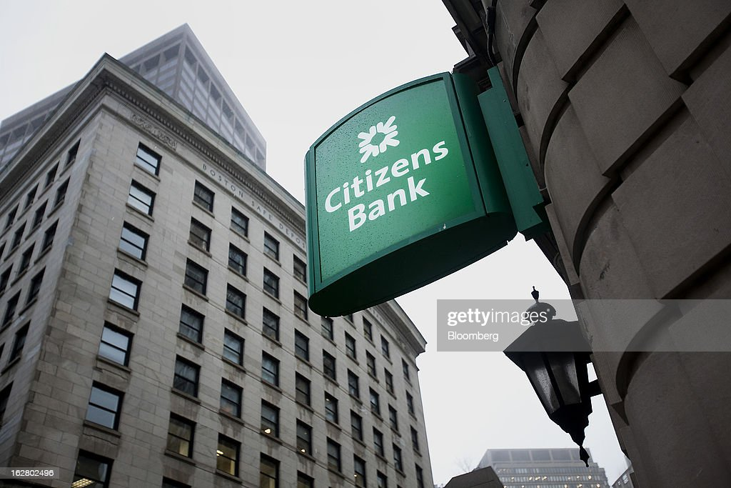 A Citizens Financial Group Inc. bank branch stands in Boston, Massachusetts, U.S., on Wednesday, Feb. 27, 2013. Royal Bank of Scotland Group Plc will this week announce plans to sell a stake in Citizens Financial Group Inc. and shrink assets at its investment-bank by as much as 30 billion pounds, said a person with knowledge of the plans, who asked not to be identified because the matter is private. Photographer: Kelvin Ma/Bloomberg via Getty Images