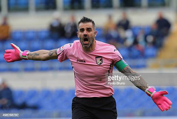 Citta' di Palermo goalkeeper Stefano Sorrentino gestures during the Serie A match between SS Lazio and US Citta di Palermo at Stadio Olimpico on...