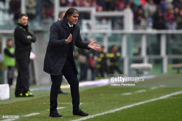 Citta di Palermo head coach Diego Lopez shouts to his players during the Serie A match between FC Torino and US Citta di Palermo at Stadio Olimpico...