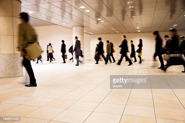 街の通勤者