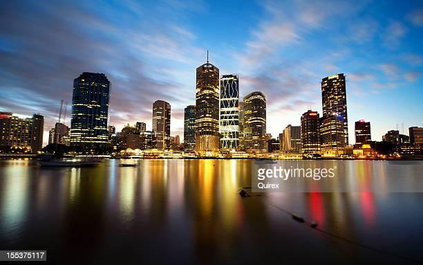Las luces de la ciudad de Brisbane