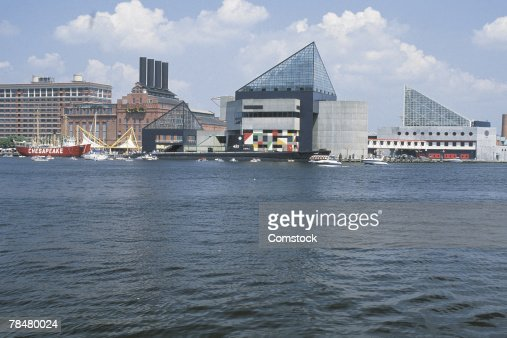 City next to water : Stock Photo