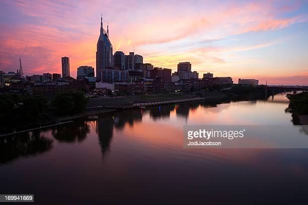 Vista da Cidade: Nashville Tennessee Skyline Golden hora