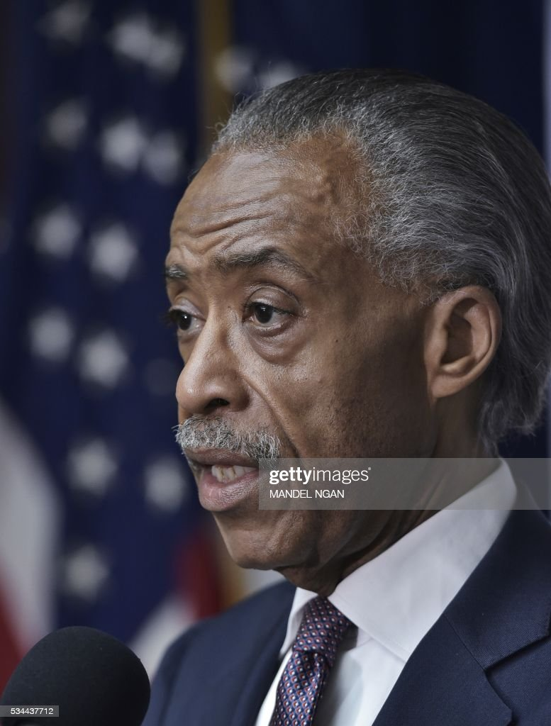 Civil rights activist Al Sharpton speaks on corporate racism during a press conference at the National Press Club on May 26, 2016 in Washington, DC. / AFP / Mandel Ngan